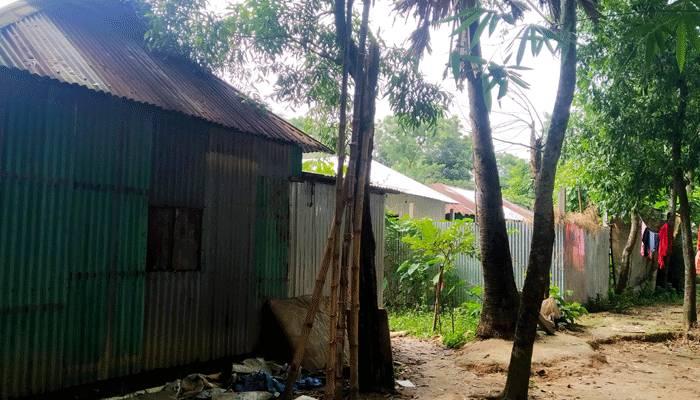 খাস জমি কিনে বাড়ি-ঘর নির্মাণ করেছেন অনেকে- সমকাল