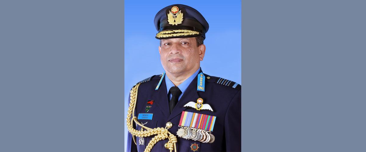 বিমানবাহিনী প্রধান এয়ার চিফ মার্শাল মাসিহুজ্জামান সেরনিয়াবাত। ছবি আইএসপিআর