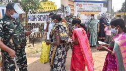 পশ্চিমবঙ্গে বিধানসভা নির্বাচনে চতুর্থ দফার ভোট চলছে