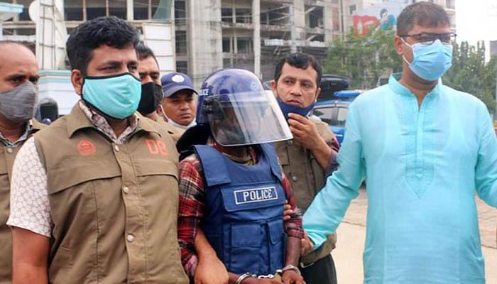 ইকবালকে কুমিল্লায় এনে জ্ঞিাসাবাদ করছে পুলিশ
